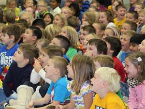 children enjoying best environment show for schools